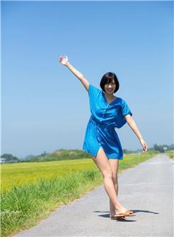 [大学女友自拍11P]乡村田野休闲自拍