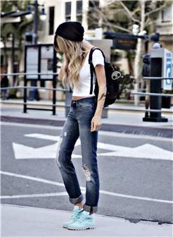 时尚牛仔裤街拍欧美女生图片