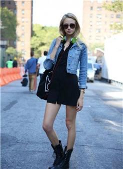 戴墨镜的欧美女孩街拍图片