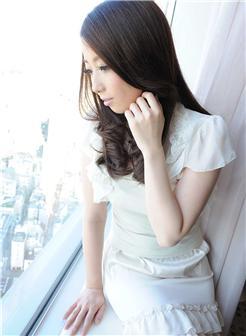 酒店自拍极品胸模诱惑白色素裙写真