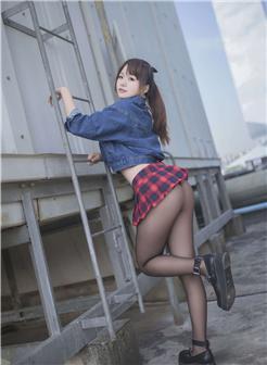 yoko宅夏写真1号本短裙翘臀黑丝