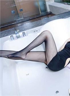 tokyohot高挑美女120p 长腿丝袜丝滑写真
