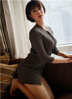 清纯学生短发发型女气质写真
