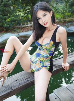 刘涛紧身显沟性感人体照片