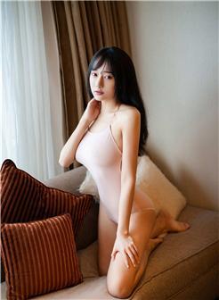 尤蜜荟猩一真空吊带G奶粉嫩写真