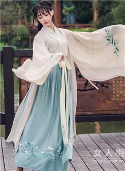 美少女的迷人韵味汉服