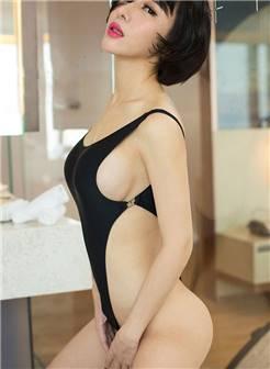 性感美女叶籽亿风骚迷人大胆人体写真图片