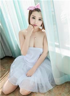 童颜巨乳丰满美女白嫩酥胸性感大胆私房照图