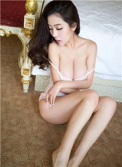 大胸女人性感丰胸巨乳大胆诱惑美女写真