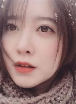 美人妻具惠善雪中自拍晒照