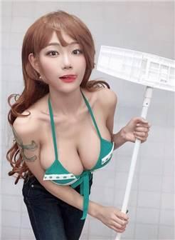 韩国美女主播cos《海贼王》娜美 火辣身材完美