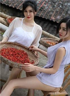 性感妖娆巨乳农村美女爆乳大奶诱惑人体艺术写真