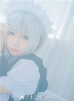 约会大作战鸢一折纸cos,白丝女仆装的可爱萝莉!