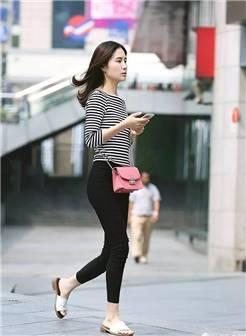 街拍美女:重庆解放碑蹲了一天,美女如林,波涛汹涌