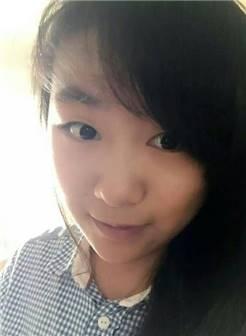 17岁女生照片同一个人多张