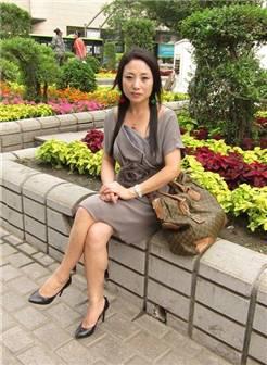 100张照片精华帖 看得出这个美熟妇已经48岁了吗_