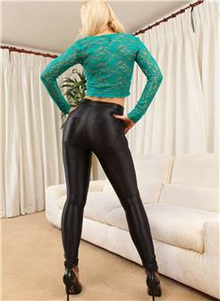 金发女郎电臀美女大胆黑皮裤紧绷翘臀诱惑欧美人体