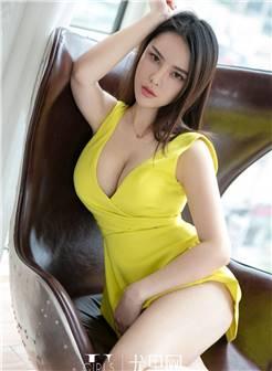 又大又挺的大胸美女图