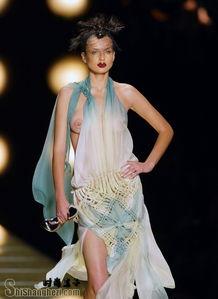 2014欧美透明时装秀 无内衣时装秀 有图有真相 时尚盒子