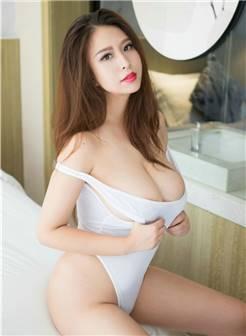 性感直率丰满大胸美女李梓熙私房照惊爆眼球诱惑写真