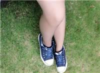 肉丝搭配帆布鞋,也是美美哒