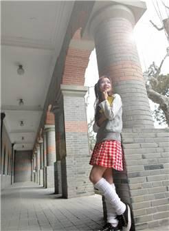 学生帆布鞋短肉丝图片