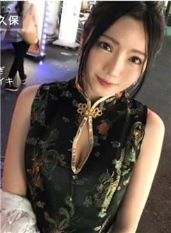 22岁台湾f奶正妹「酒吧打工