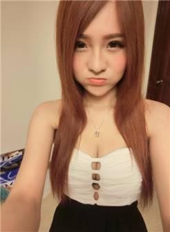 台湾甜美比基尼粉嫩正妹模特林坎蒂candylin