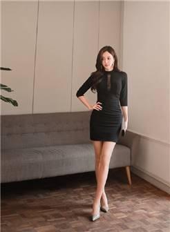 韩国美女孙允珠性感美腿高跟写真图片