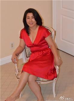 55岁阿姨的自拍照 熟女居家照片