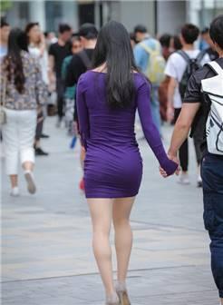 成熟丰韵的气质熟女,身材婀娜多姿充满女人味