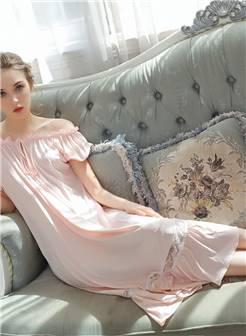 外模拍摄宫廷睡衣vitaln乌克兰女篇-霈思经纪