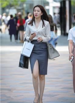 街拍路人,初秋街头亮眼的时尚穿搭参考,让你展现个性时尚的美