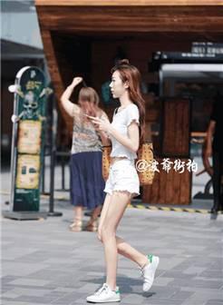 路人街拍, 北京街头高分路人美女亮丽摆拍