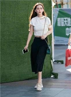 路人街拍: 北京女孩, 穿着时尚, 身材完美