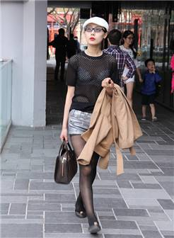 街拍——北京初夏绚丽多彩的时尚潮女