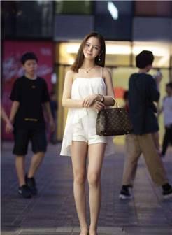 北京街拍:大城市就是好,到处都能偶遇时尚可爱新感的小姐姐!