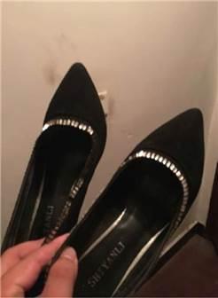 老婆的丝袜高跟鞋