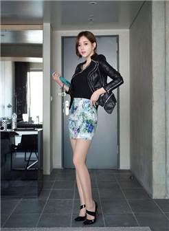 孙允珠:大花超短裙,办公室ol