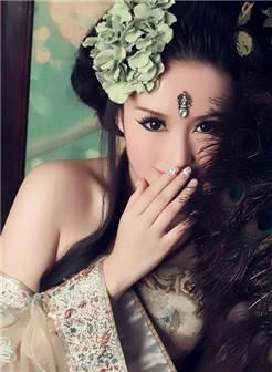 妖艳古装美女图片
