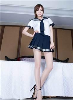 美女学生服穿丝袜