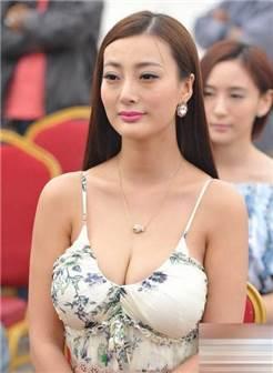 王李丹妮被验奶图片不遮光