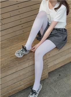 [森萝财团]萝莉丝足写真 r15-014 白丝mm游园