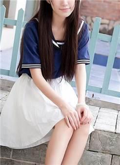 软萌小仙女学生制服露内裤制服狗尾巴浴室写真