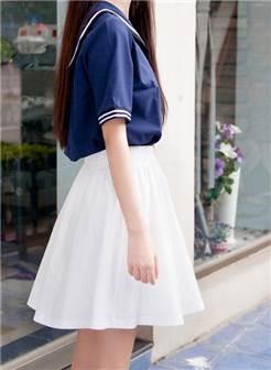巨养眼的小仙女,女神级别少女黑丝学生装制服外景私影