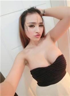 巨乳美女苏夏妞妞浴室大胆自拍性感写真