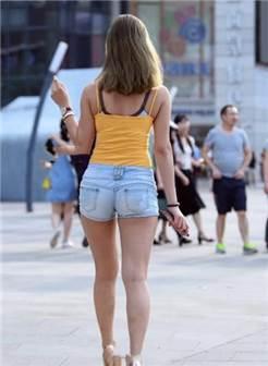 谁说腿粗不能做女神,蜂腰玉臀尽显完美女神范儿,不服不行