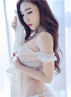 真实雷丝透明裤衩美女图片