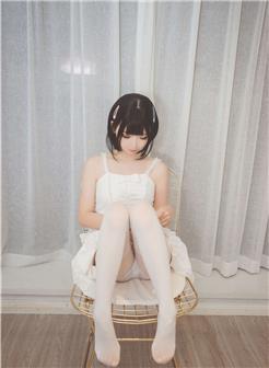 白色连裤袜女生露内私房性感照片