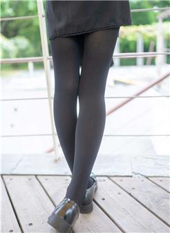 冬季黑色连裤袜街拍性感美妇时尚性感照片